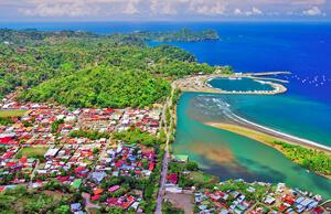 quepos fishing village
